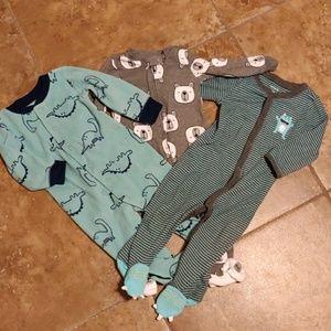 ⚡⚡NWOT  Carter's  boys sleeper set